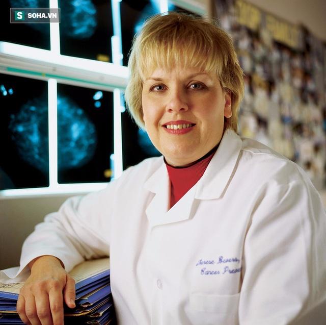 Tiến sĩ Therese Bevers.