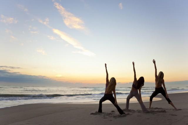 Giáo viên dạy Yoga: Bộ môn quốc tế hướng con người đến cuộc sống khỏe và lành mạnh. Giảng dạy Yoga có thể là cơ hội giúp bạn đi ra ngoài biên giới lãnh thổ quốc gia.