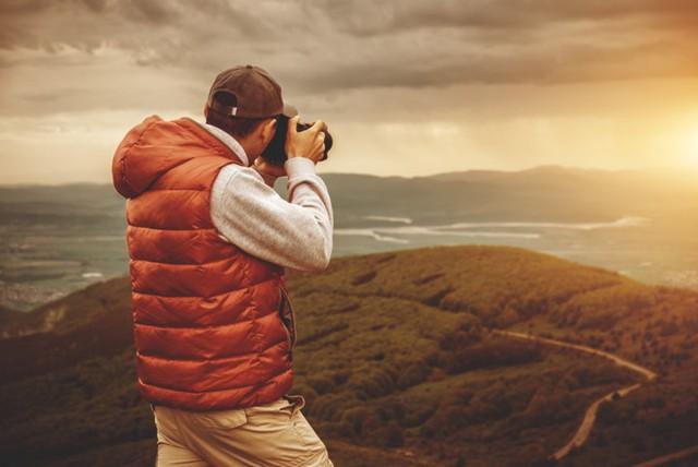 Nhiếp ảnh gia tự do: Công việc tuyệt vời đem bạn đi khắp thế giới thậm chí là những vùng quê xa xôi, hẻo lánh.