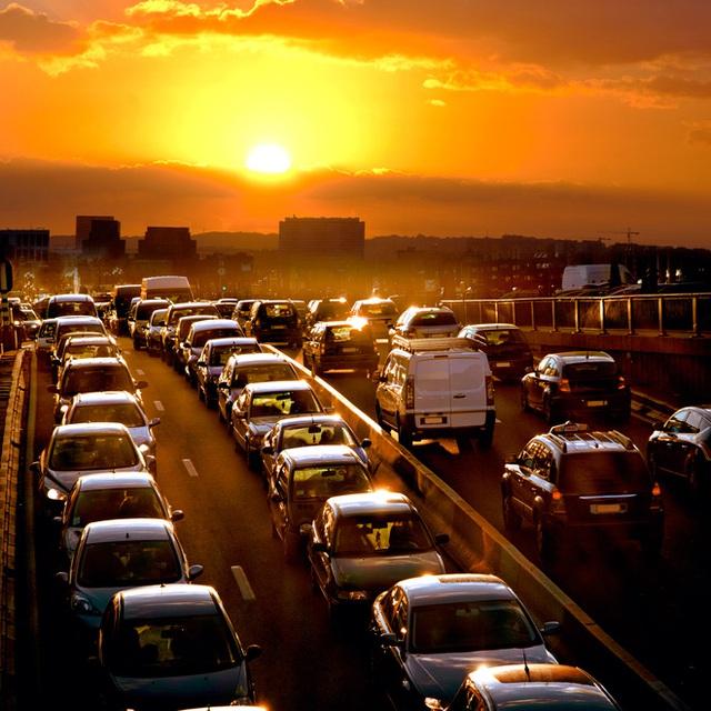 Hoạt động giao thông tại các đô thị lớn đang gây ảnh hưởng đến chất lượng không khí. Ảnh mang tính minh họa/Nguồn: Psychologytoday.com.