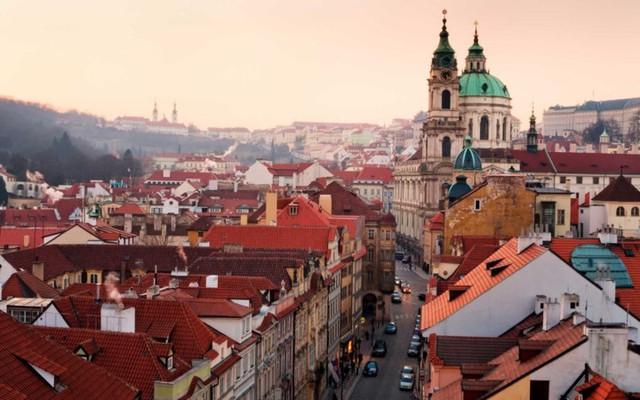 Prague: Thủ đô của Cộng hòa Séc là thiên đường du lịch dành cho hội bạn bè vào tháng 7 với sức hút từ hàng loạt các sự kiện văn hóa đặc sắc.