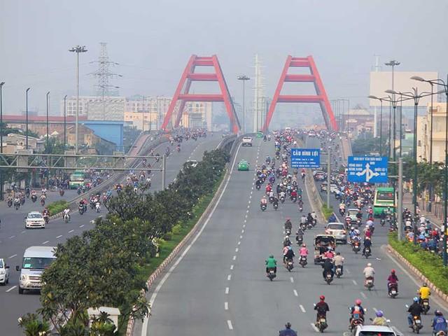 Đường Phạm Văn Đồng là một trong những công trình giao thông trọng điểm của TP.HCM đã hoàn thành và vượt tiến độ. Ảnh: HOÀNG GIANG