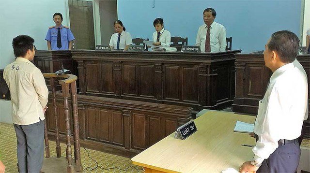 Dự thảo đề ra tiêu chuẩn về tuân thủ hiến pháp, pháp luật, phẩm chất đạo đức của người hành nghề luật sư. Ảnh minh họa: T.TÙNG