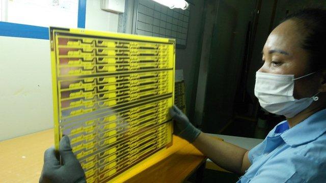 Sản xuất bản mạch điện tử tại công ty Thành Long. Ảnh: L.Bằng