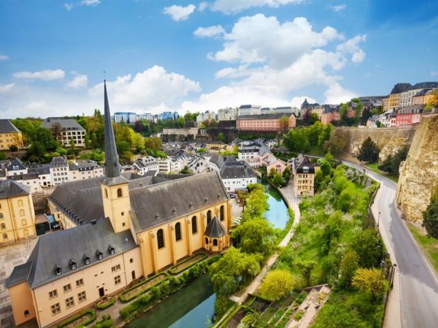 10. Luxembourg. Đất nước nhỏ này nằm giữa Bỉ, Pháp và Đức có hệ thống chăm sóc sức khoẻ tốt, khuyến khích hoạt động thể chất trong trường học, dễ dàng tìm thấy các phòng tập thể dục ở tất cả các trung tâm công cộng.