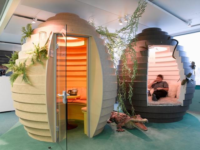 Văn phòng Google tại Zurich, Thụy Điển được thiết kế bởi công ty kiến trúc Camenzind Evolution với những phòng họp nhỏ hình quả trứng, đảm bảo sự thoải mái và bảo mật cho các cuộc họp.