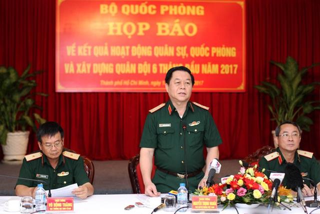 Trung tướng Nguyễn Trọng Nghĩa chủ trì buổi hợp báo sáng 13-7