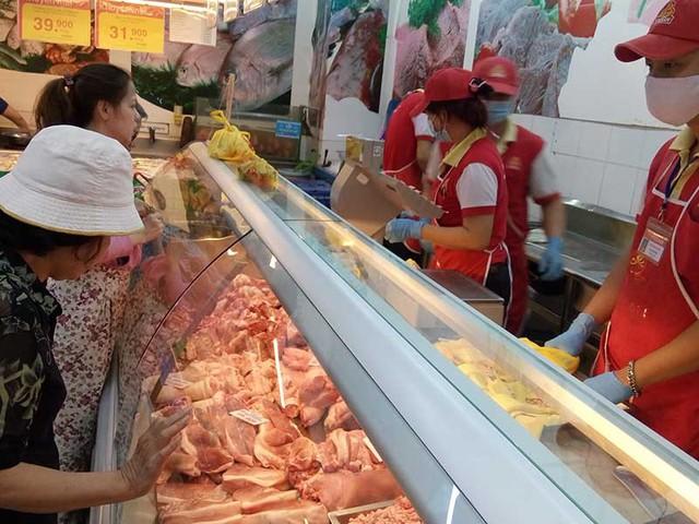 Giá thịt heo mảnh tại các chợ và siêu thị đang tăng trở lại. Ảnh: Q.HUY