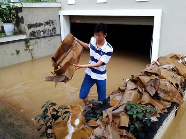 Toàn bộ tầng hầm của căn biệt thự nhà anh T. bị ngập nước. Ảnh: TP