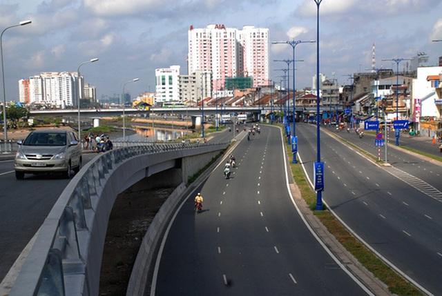 TP HCM đang lập đề án huy động tiền trong dân để phát triển giao thông Ảnh: TẤN THẠNH
