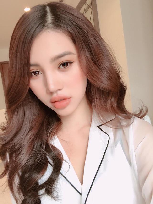 Jolie Nguyễn - 1 trong số ít các tiểu thư đình đám lọt vào danh sách hội con nhà giàu Việt Nam.