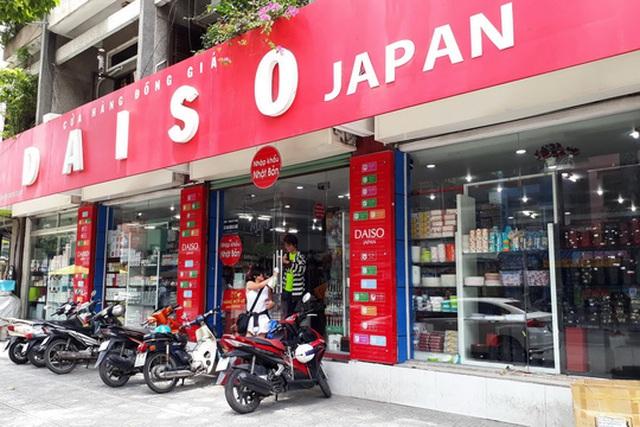 Cửa hàng đồng giá của nước ngoài khai thác tốt thị trường Việt Nam Ảnh: Tấn Thạnh