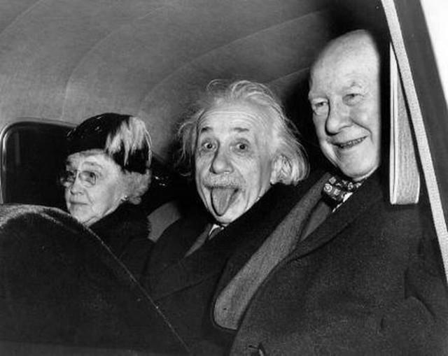 Nhà bác học Albert Einstein có nhiều câu châm biếm hài hước