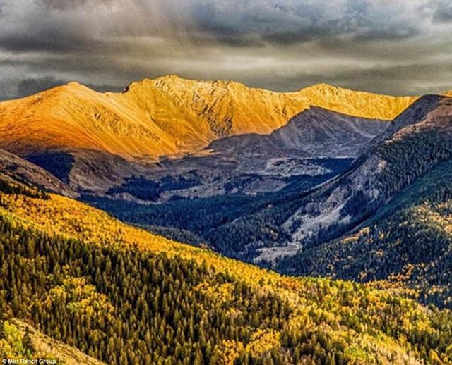 Phong cảnh hùng vĩ của trang trại nguyên sơ Cielo Vista ở Colorado-Mỹ. Ảnh: Mirr Ranch Group