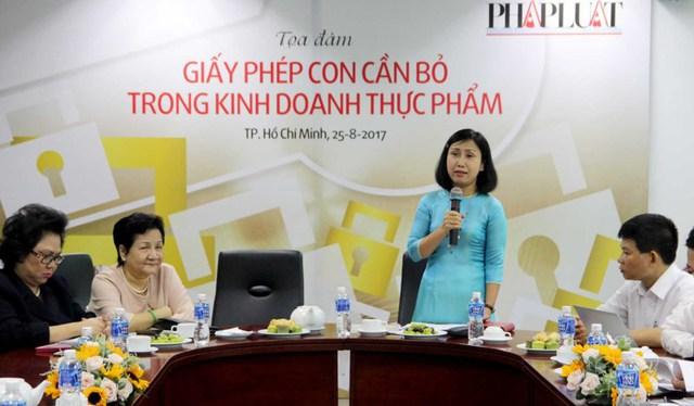 Bà Nguyễn Thị Thu Tâm – Phó tổng biên tập báo Pháp Luật TP.HCM chủ trì buổi tọa đàm. Ảnh: HOÀNG GIANG
