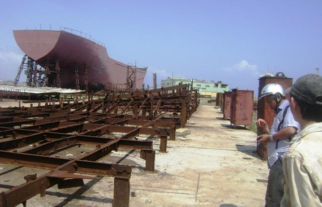 Con tàu 4000 tấn đóng dở rồi bỏ gỉ sét tại cơ sở đóng tàu của Công ty Cổ phần Công nghiệp nông thủy sản Phú Yên