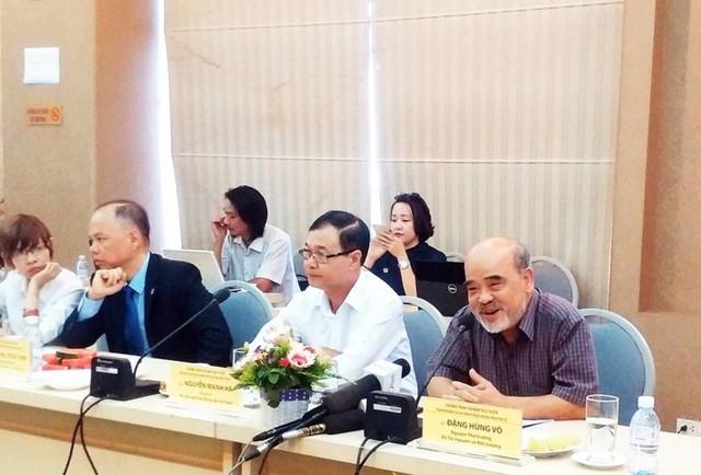 GS Đặng Hùng Võ cho rằng: cần cải cách thuế đất phi nông nghiệp trước khi tính đến việc đánh thuế nhà thứ 2 trở đi. Ảnh: CHÂN LUẬN