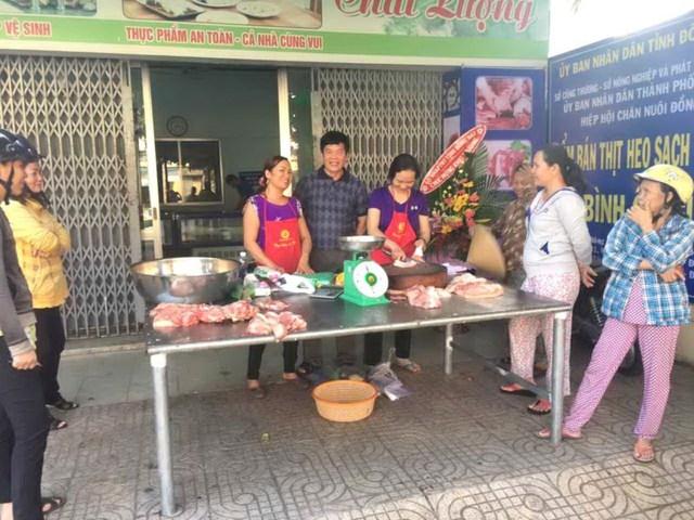Nhiều nơi bán thịt heo giá rẻ để giải cứu heo khủng hoảng thừa
