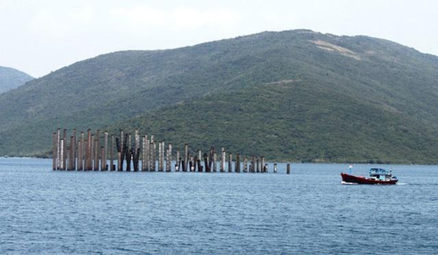 Dự án cảng trung chuyển quốc tế Vân Phong vẫn còn dang dở sau nhiều năm triển khai Ảnh: KỲ NAM