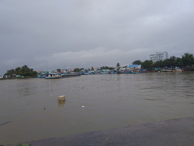 Tàu thuyền neo đậu ở cảng hành khách Dương Đông, huyện Phú Quốc