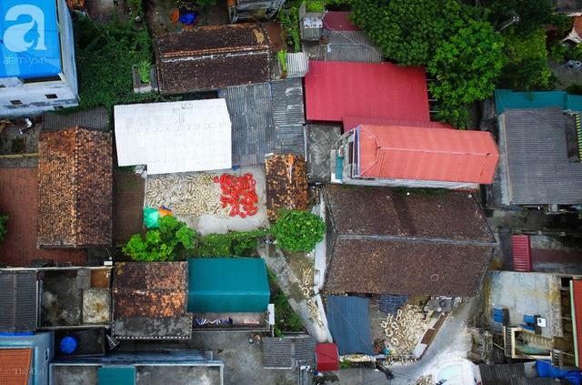 Làng Hảo là ngôi làng có nghề làm đồ chơi Trung thu truyền thống hàng trăm năm tuổi, được hình thành và phát triển từ những năm 80 – 90 của thế kỷ trước.