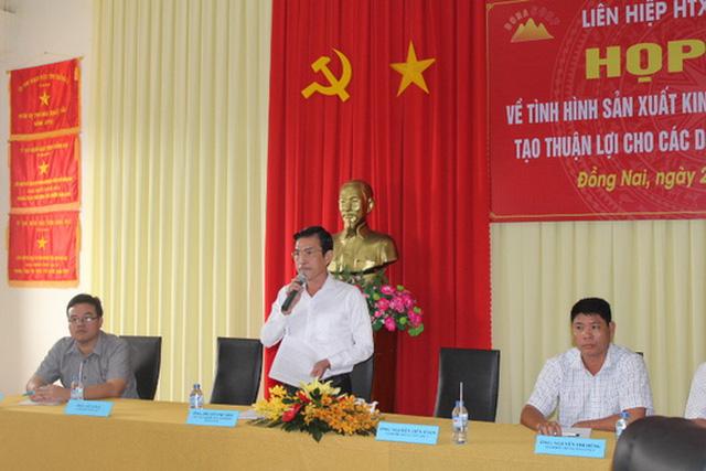 Các doanh nghiệp thông tin tại buổi họp cung cấp thông tin cho báo chí