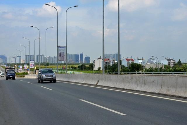 Đường cao tốc TP HCM - Long Thành - Dầu Giây được đầu tư bằng nguồn vốn vay thương mại, vốn ODA và vốn đối ứng của chính phủ Ảnh: Tấn Thạnh