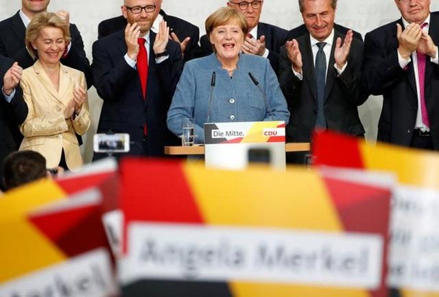 Dù tái đắc cử trở thành Thủ tướng Đức nhưng bà Merkel sẽ gặp nhiều thách thức trước sự trỗi dậy của đảng cực hữu AfD. Ảnh: Reuters