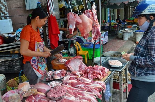 Thị trường tiêu thụ thịt heo tại TP HCM vẫn ổn định, không xảy ra tình trạng khan hàng, tăng giá Ảnh: TẤN THẠNH