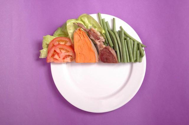Chìa khóa của một chế độ ăn uống lành mạnh là ăn vừa đủ- không ăn quá no.