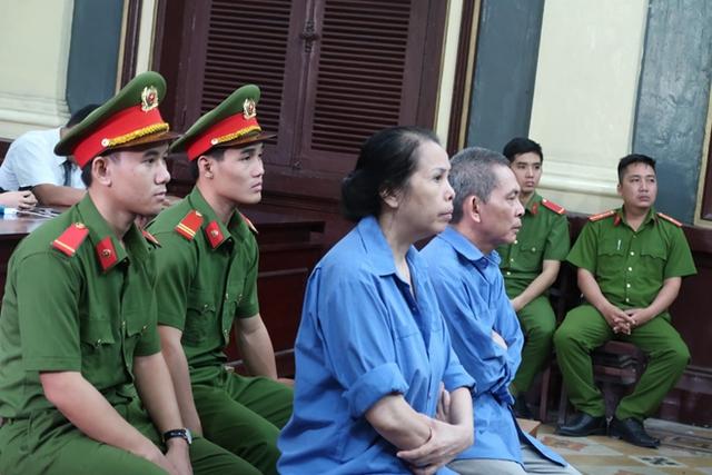 Vợ chồng Vân - Lâm trước giờ tuyên án