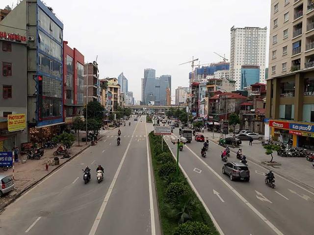Đường Lê Văn Lương kéo dài là một trong những dự án BT tại Hà Nội. Ảnh: TUYẾN PHAN