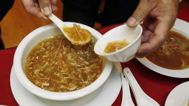 Súp vây cá mập, một trong những món ăn kinh điển của người Trung Quốc.