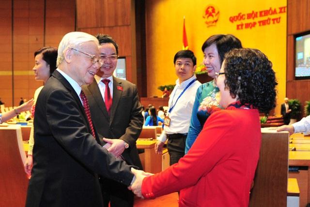 Tổng Bí thư Nguyễn Phú Trọng với các đại biểu tại phiên khai mạc kỳ họp thứ 4, Quốc hội khóa XIV
