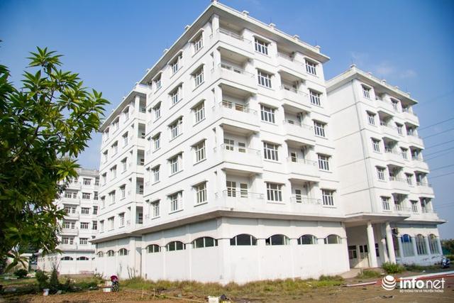 3 tòa nhà tái định cư Sài Đồng với 150 căn hộ được triển khai từ năm 2001-2006 do Hanco3 làm chủ đầu tư dùng để tái định cư tại chỗ khi thực hiện dự án giải phóng mặt bằng mở rộng tuyến phố Sài Đồng nằm trong khu đô thị Sài Đồng.
