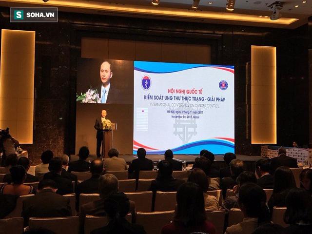 Thứ trưởng Bộ Y tế Lê Quang Cường phát biểu tại phiên khai mạc hội nghị quốc tế Kiểm soát ung thư thực trạng - giải pháp.