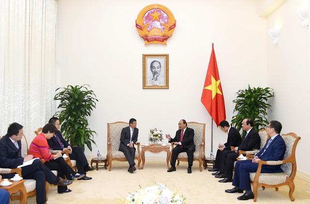 Thủ tướng Nguyễn Xuân Phúc tiếp Chủ tịch Tập đoàn Alibaba Jack Ma. Ảnh: VGP