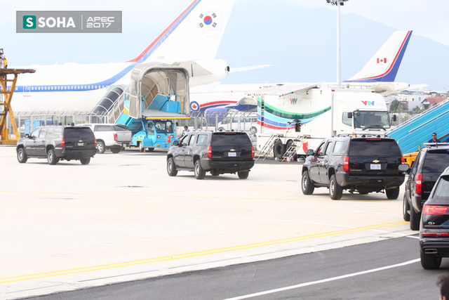 Đoàn xe hộ tống tổng thống Donald Trump ra sân bay