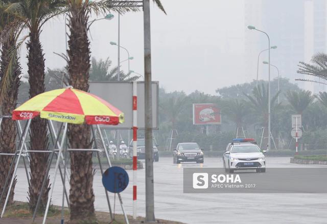 Đoàn xe Chủ tịch Trung Quốc Tập Cận Bình đã về đến khách sạn tại Hà Nội - Ảnh 1.