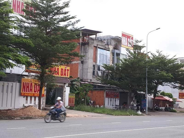 Nhiều trung tâm mua bán nhà đất đã xuất hiện ở Cần Giờ.