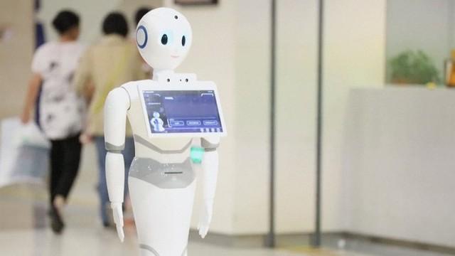 Lần đầu tiên, một robot trí tuệ nhân tạo vượt qua bài kiểm tra cấp bằng y khoa
