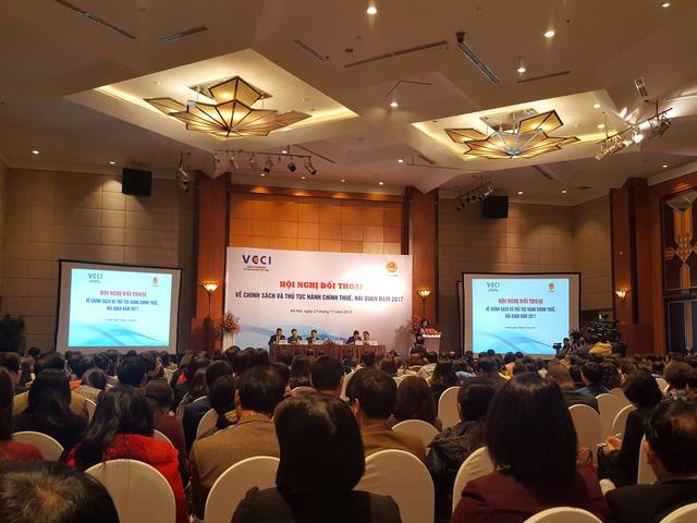 Nhiều ý kiến của các doanh nghiệp đã được gửi tới đại diện Tổng cục Thuế và Tổng cục Hải quan trong buổi Hội nghị ngày 27/11