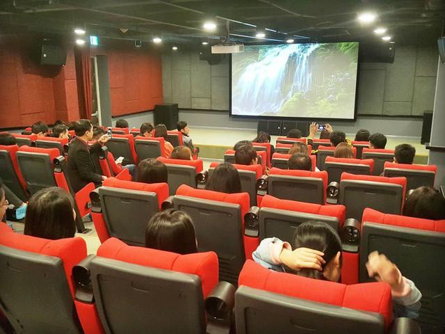Rạp chiếu phim dành cho nhân viên trong ký túc xá Samsung Bắc Ninh. Ảnh: Nguyên Đức.