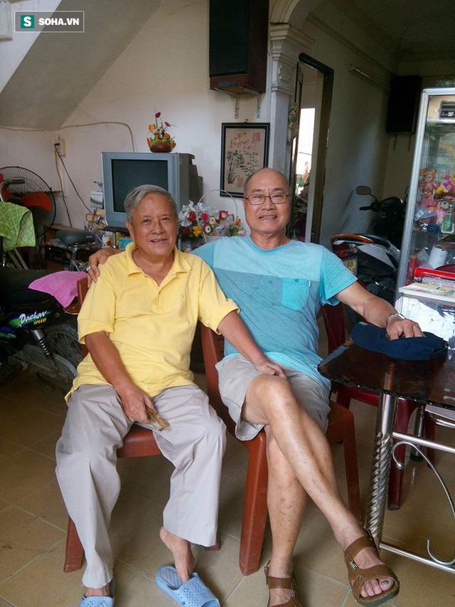 Thầy giáo Trần Công Tín (áo vàng) sau 5 năm trị bệnh ung thư đại tràng giai đoạn 4