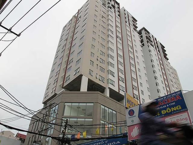 Chung cư Bảy Hiền (quận Tân Bình, TP.HCM) từng bị cưỡng chế tháo dỡ các hạng mục xây dựng sai công năng so với thiết kế được duyệt. Ảnh: HOÀNG GIANG