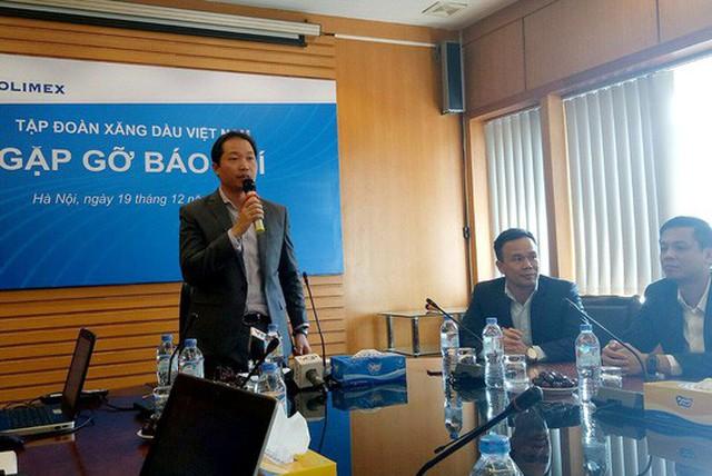Phó Tổng Giám đốc Petrolimex Nguyễn Quang Dũng cho biết tập đoàn quyết liệt đầu tư vào hệ thống bán lẻ trước áp lực từ làn sóng xăng dầu ngoại - Ảnh: Hoài Dương