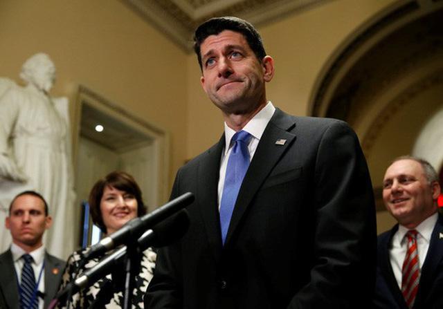 Chủ tịch Hạ viện Paul Ryan nói: Hôm nay, chúng ta sẽ trao trả lại cho người dân tiền của họ. Sau tất cả, đó là tiền của họ. Ảnh: Reuters