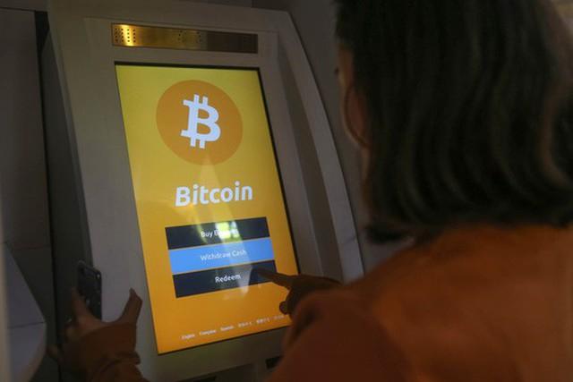 Một điểm giao dịch bitcoin tại TP HCM Ảnh: HOÀNG TRIỀU