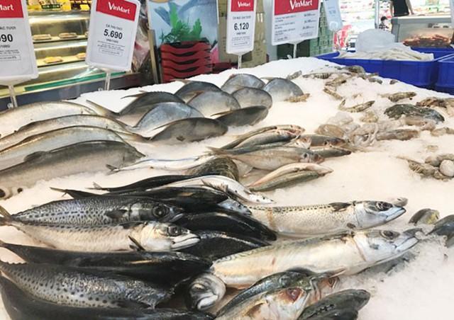 Sản phẩm muốn vào được siêu thị phải có đủ các thủ tục giấy tờ, nhưng người sản xuất lại lúng túng khi thực hiện.