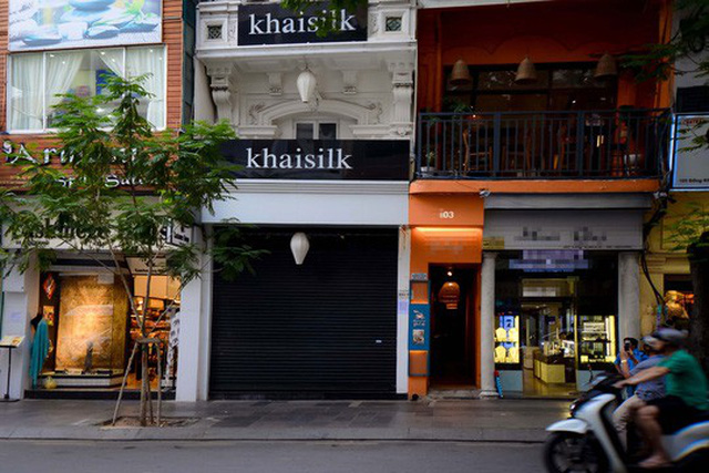 Sau vụ bê bối khách hàng tố sản phẩm gắn mác Trung Quốc, hàng loạt cửa hàng Khaisilk đều đóng cửa. Ảnh: HOÀNG TRIỀU